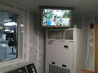 威泰科电动无包围显示器荣装海事局的船上